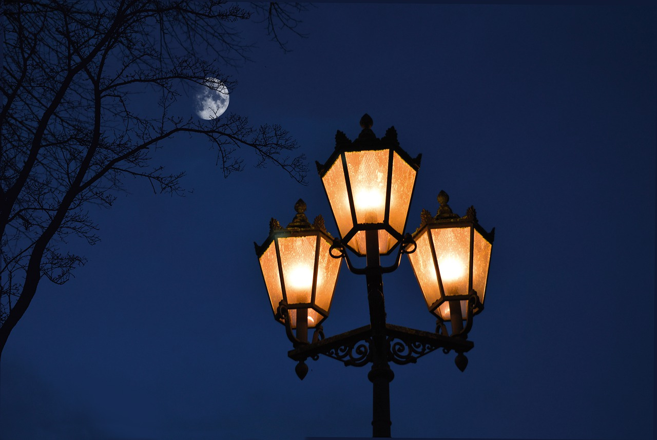 street light night